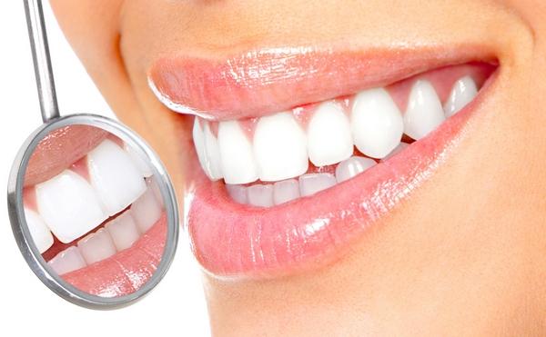Види відбілювання зубів - Жіночий Світ 25c720dd27292