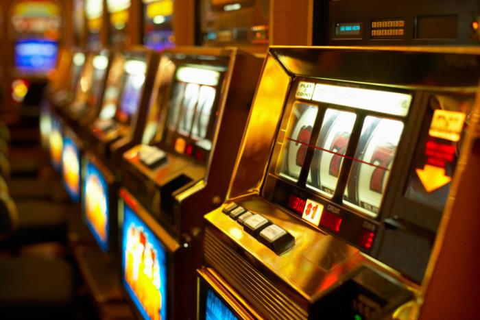 Можно ли играть в онлайн казино в украине играть в игры автоматы обезьянки