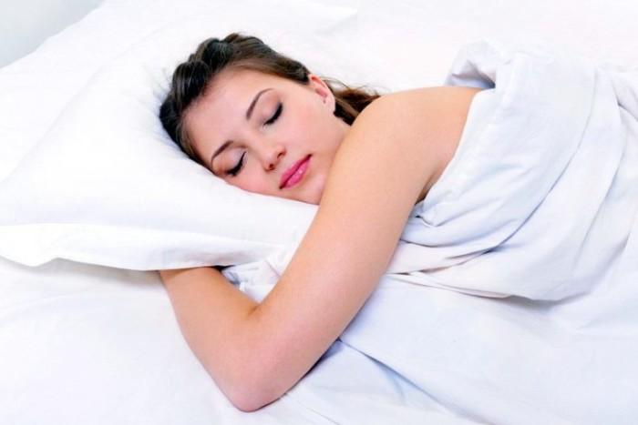 Дети потеют во время сна почему
