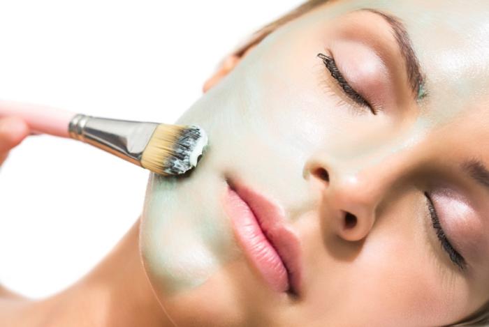 Домашні маски для звуження пор на обличчі - Жіночий Світ 17d5357eaa6a0