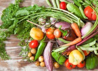 Дієтолог розповіла, які фрукти і овочі не варто купувати навесні