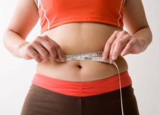 Експерти назвали прості продукти, здатні швидко прибрати жир на животі