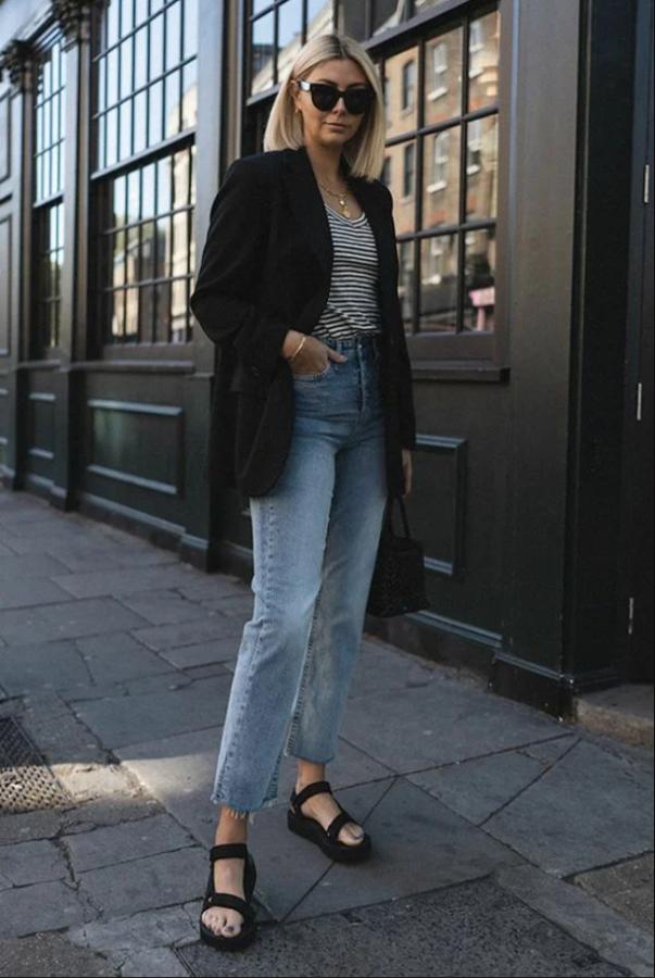 укорочені джинси з сандалями