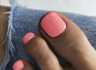 педикюр рожевого кольору