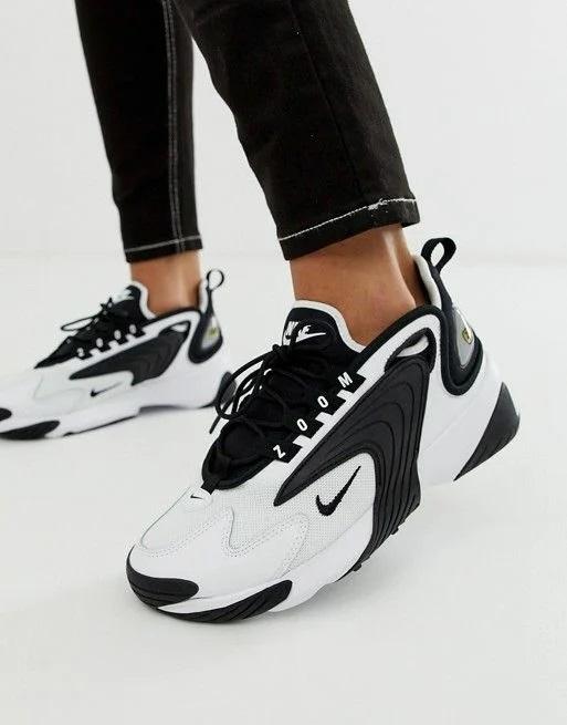 чорно-білі кросівки