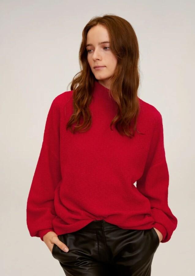 яскравий відтінок светрів