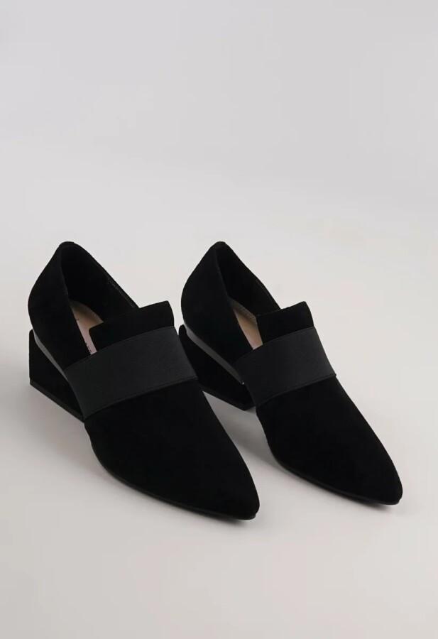 туфлі з гострим носком